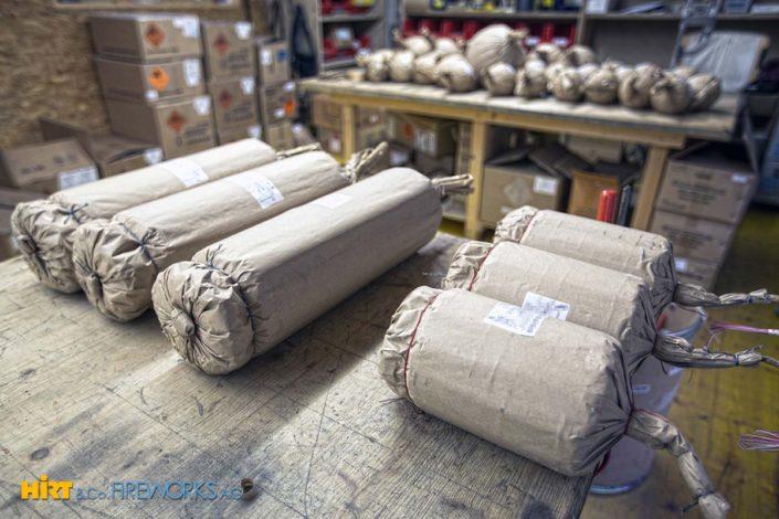 Unser Lager und unsere Werkstatt - Prall gefüllt mit unseren Artikeln aus dem Feuerwerksverkauf